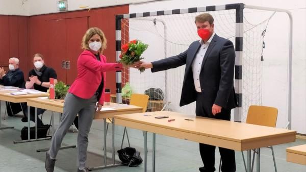 Helge Zychlinski zur einstimmigen Wahl beglückwünscht