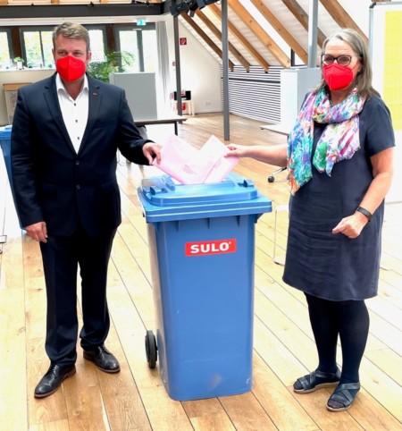 Briefwahl Helge Zychlinski und Daniela Mühleis
